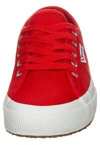 Superga - Sneakersy niskie - rouge / blanc - 5