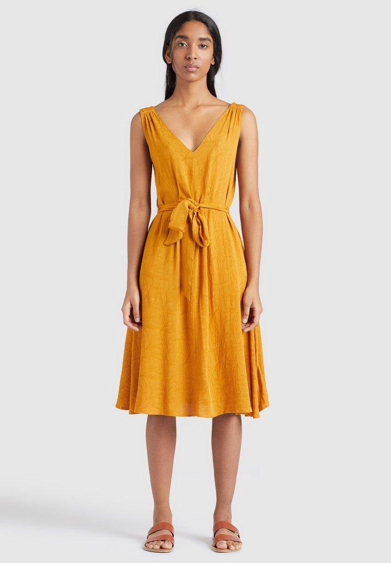 khujo - SPRING - Day dress - gelb