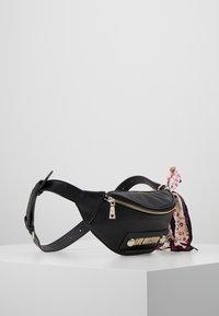 Love Moschino - Bum bag - nero - 3