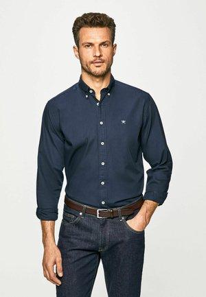 GARMENT DYED OXFORD - Camisa elegante - navy