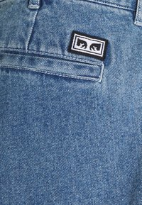 Obey Clothing - FUBAR PLEATED BULL - Relaxed fit jeans - light indigo - 2