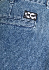 Obey Clothing - FUBAR PLEATED BULL - Straight leg jeans - light indigo - 8