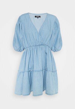 CHAMBRAY BALLOON DRESS - Denimové šaty - blue