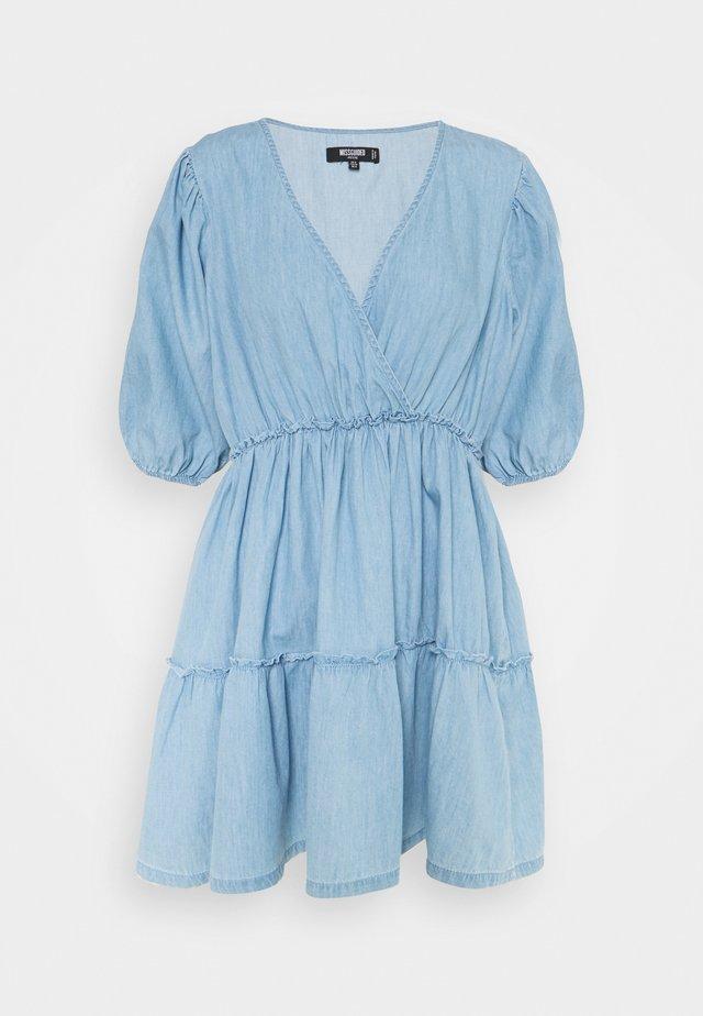 CHAMBRAY BALLOON DRESS - Dongerikjole - blue