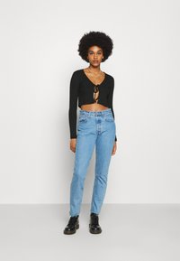 Nly by Nelly - TIE FRONT - T-shirt à manches longues - black - 1