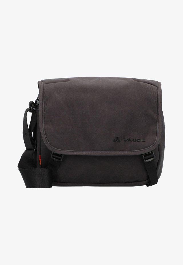 AGAPET II WAXED - Across body bag - phantom black