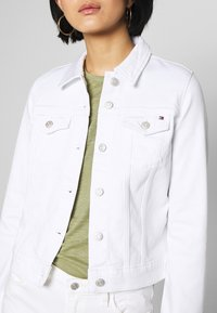 Tommy Hilfiger - SHRUNK  - Denim jacket - white - 5