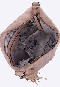 SURI FREY - ROMY BASIC - Across body bag - mottled light pink - 5