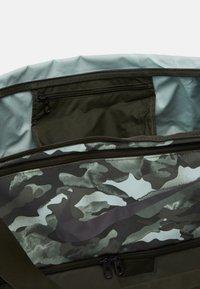 Nike Performance - DUFF - Sports bag - white/sequoia/cool grey - 3