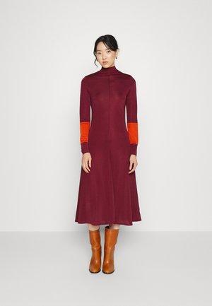 DRESS - Jerseyjurk - red