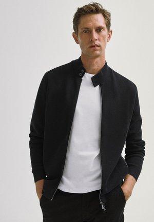 MIT REISSVERSCHLUSS  - Vest - black