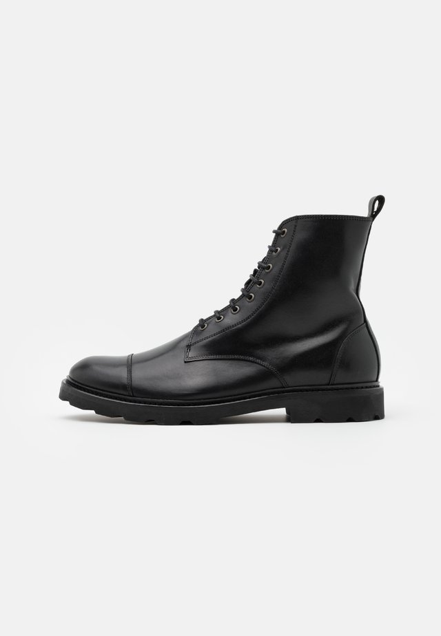 ALIAS HIKER COMBAT BOOT - Stivaletti stringati - black