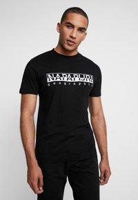 Napapijri - EMBRO - T-shirt print - black embro - 0