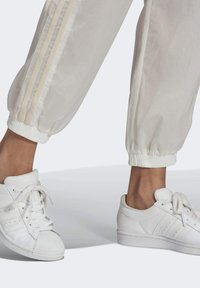adidas Originals - JAPONA TP - Tracksuit bottoms - non-dyed - 4