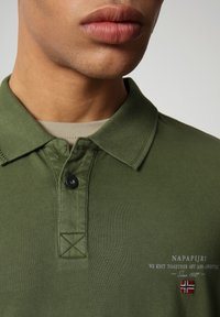 Napapijri - ELLI - Poloshirt - green cypress - 2