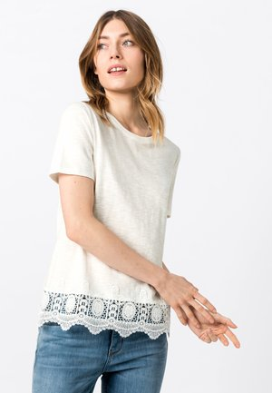MIT SPITZENSAUM - Blouse - off-white