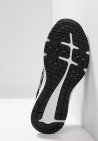ASICS - GEL-EXCITE 6 - Zapatillas de running neutras - black/white - 4