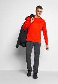 The North Face - EASY TEE - Langarmshirt - fiery red - 1