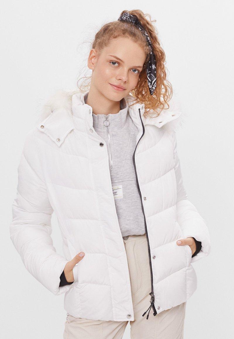 Bershka - Down jacket - white