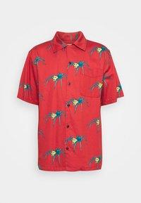 ARON SPIDERS - Skjorte - poppy red