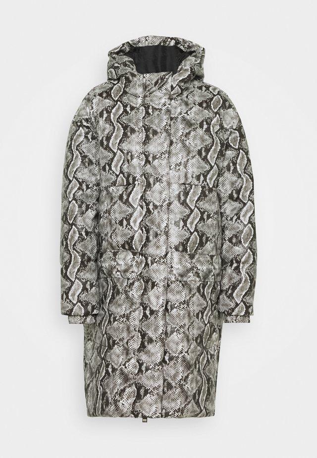 Zimní kabát - black variant
