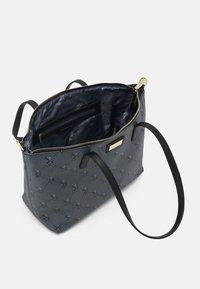 U.S. Polo Assn. - HAMPTON POUCH PRINTED - Shopping bag - black - 2