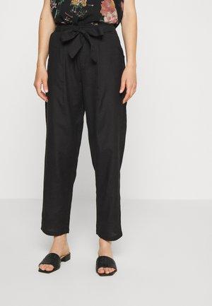 ONLVIVA LIFE BELT PANT - Pantalones - black