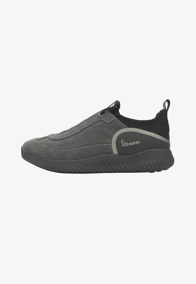 Sneakers basse - grigio scuro