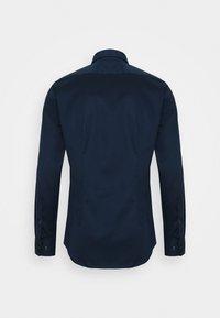 Seidensticker - SLIM LIGHT SPREAD KENT PATCH - Formal shirt - dunkelblau - 1