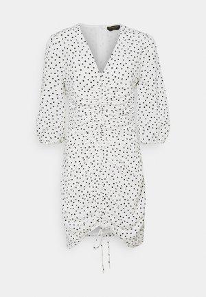 JUNE DOTS GATHERED MIDI DRESS - Denní šaty - white