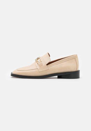 Slippers - beige poncho