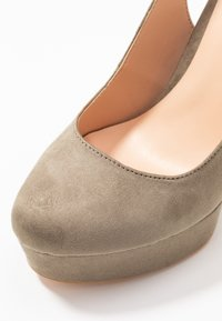 Even&Odd - High heels - oliv - 2