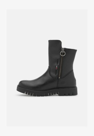 VISIBLE WARMLINED FLAT BOOT - Winter boots - black