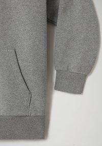 Napapijri - B-BOX - Hoodie - medium grey melange - 3