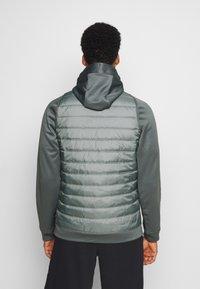 Nike Performance - Giacca sportiva - smoke grey/smoke grey/black - 2