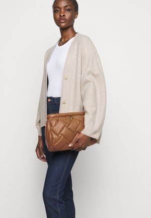 KENSINGTON SOFT  - Across body bag - camel