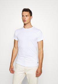 INDICODE JEANS - EAKIN 3 PACK - T-shirt - bas - black - 2