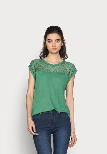 ONLNICOLE MIX - Basic T-shirt - pine green