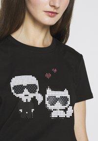 KARL LAGERFELD - PIXEL CHOUPETTE - T-shirt con stampa - black - 7