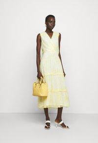 Lauren Ralph Lauren - PLAID QUILTD PEBBLE MARCY - Handbag - beach yellow - 0