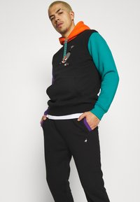 STAPLE PIGEON - TRICOLOR PANT UNISEX  - Pantaloni sportivi - black - 3