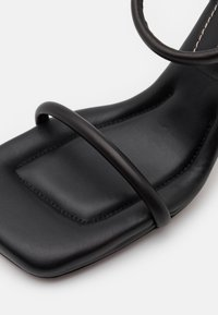Proenza Schouler - CECIL PADDED ANKLE STRAP - High heeled sandals - black - 6