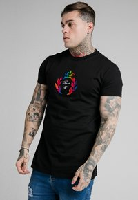 SIKSILK - EMBOSSED FITTED BOX TEE - Triko s potiskem - black - 0