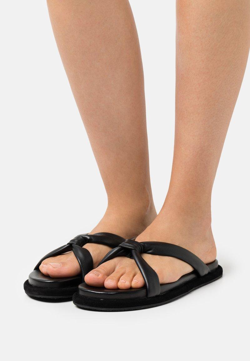 Filippa K - ALMA SOFT  - Pantofle - black