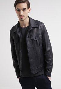 Selected Homme - SHPIMA NEW DAVE - Basic T-shirt - phantom - 3