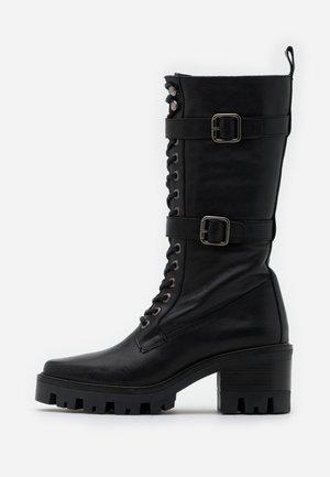 AMELIE - Stivali con plateau - black