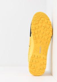 Mammut - ALNASCA II LOW MEN - Hiking shoes - freesia/black - 4