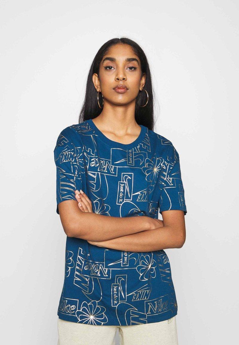 Nike Sportswear - TEE ICON CLASH - Camiseta estampada - valerian blue