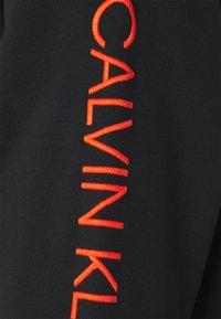 Calvin Klein Jeans - FASHION MOCK NECK UNISEX - Sweatshirt - black - 2