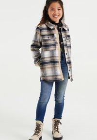 WE Fashion - Krótki płaszcz - beige - 0